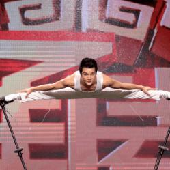 SHUANG JIAN au festival du cirque en val de loire