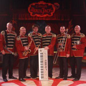 MAKSYM PIERTSEV, orchestre au festival du cirque International Val de Loire